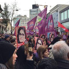 Kadın Cinayetlerini Durduracağız Platformu çağrısıyla #ÖzgecanAslan cinayetini protesto edenler Taksim'de