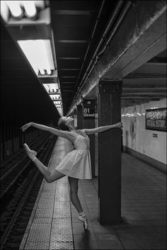 Two of our favorite things, New York City and ballet, come together in this image of a dancer in the subway. Ballet Nyc, Ballet Dancers, Bolshoi Ballet, Royal Ballet, Dancers Among Us, Ballet Inspired Fashion, Dance Photo Shoot, Ballet Dance Photography, Ballerina Project