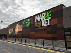 Supermarket Design, Retail Store Design, Facade Design, Exterior Design, Food Business Ideas, Retail Facade, Store Signage, Store Layout, Shop Front Design
