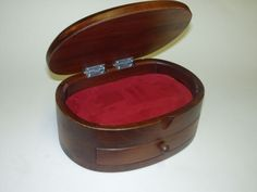 95.00 € www.soly-toys.com Personalized wooden jewelry boxes - Leicester