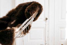 Aleska, une ode à la douceur...  Réchauffer vos interieurs grâce à notre Collection de peaux de mouton ❣
