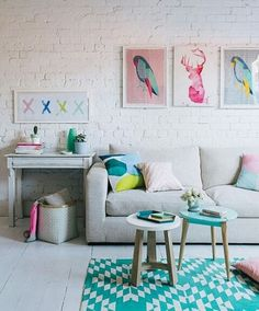 Livingroom sofa grey colorfull frame