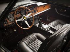1967 Ferrari 330 GT 2+2 | Series II | Colombo V12, 3,967 cm³ | 300 bhp | Design: Pininfarina