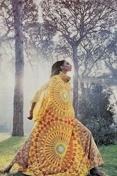 Women's Outfits : Legendary Model Donyale Luna x Valentino Haute Couture Spring/Summer 1966 Photography by Marc Hispard 1960s Fashion, Fashion Art, Fashion Models, Vintage Fashion, Fashion Design, Fashion Outfits, Fashion Tips, Black Supermodels, Valentino