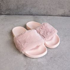 furry fuzzy slides - pink - shophearts