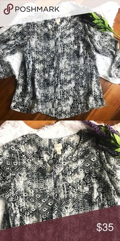 BOGO 💕 CHICOS Chicos size 2. Black and white boho aztec pattern. Perfect top to pair with bright accessories. Very comfortable and flowy. Chico's Tops Blouses