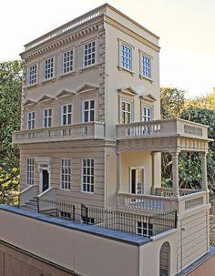 Dollhouse Decorating | The Hartnell's Kensington House | http://dollhousedecoratingblog.com