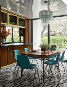 Wood Drafting Table, Dallas, Family Room, Home And Family, Interior Architecture, Interior Design, Bold Wallpaper, Architectural Digest, Midcentury Modern