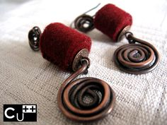 """Wintry embrace"": handmade copper earrings by aes Cyprium. Felt beads by XV Mind"