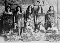 Group of Maori women including Maggie and Bella Papakura, Polynesian People, Polynesian Art, Abstract Sculpture, Sculpture Art, Metal Sculptures, Bronze Sculpture, Nz History, Maori People, Maori Designs