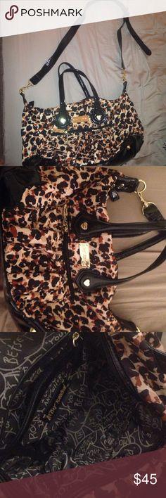 Betsey Johnson leopard purse Adjustable Betsey Johnson leopard tote bag with removable shoulder strap. Betsey Johnson Bags Satchels