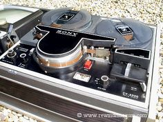 Museum of vintage reel to reel video recorders. Open reel black and white antique video recorders. Home Theater, Theatre, Cassette Vhs, Pc Game, General Electric, Consumer Electronics, Audio, Museum, Black And White