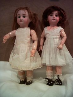 Premier and second Bleuette. 1905. Original outfits. FSE collection.