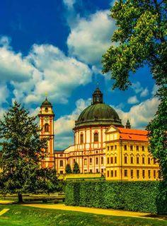 Jaroměřice nad Rokytnou chateau (South Moravia), Czechia #castle #chateau #Czechia #VisitCzechia