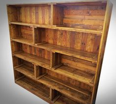 So for your huge office rooms or study room, pallet wood is just offering this DIY large wooden pallet bookcase built-in crate style, it is…