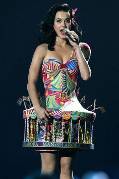 Katy Perry wearing Manish Arora Carousel dress at the MTV European Music Awards - june 2009 © D.R.