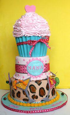 Love the big cupcake on top.