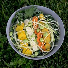 curly kale zoodles broad beans basil yellow white & regular carrots had it with a miso-tahini dressing Plant Based Recipes, Raw Food Recipes, Tahini Dressing, Raw Vegan, Zero Waste, Kale, Cobb Salad, Basil, Carrots