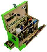 hochwertige box mit 126 WerkzeugenMultiplex - azssen lackiert übersichtliche Anordnung der Werkzeuge Aussenmasse ohne Beschläge L×B×H: 72×37×44 cm Gewicht ca. 36 kg  http://www.polylignum.ch/images/eigenmannzimmermannwk.jpg