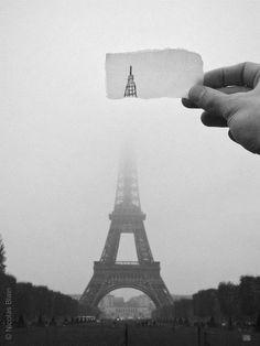 Eiffel Tower , Paris. Mists, Black And White Photography, Art Photography, Tour, I Love Paris, Paris France, City Lights, Wanderlust, Clever
