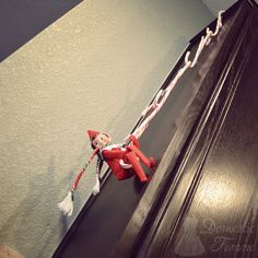 Candy Cane Rope Swing - Elf On The Shelf 2014 Calendar NEW Ideas!) w/ FREE. - Elf on the shelf ideas funny hilarious - Noel Christmas, All Things Christmas, Christmas Holidays, Funny Christmas, Christmas Ideas, Christmas Photos, Kids Holidays, Christmas Wrapping, Christmas Wishes
