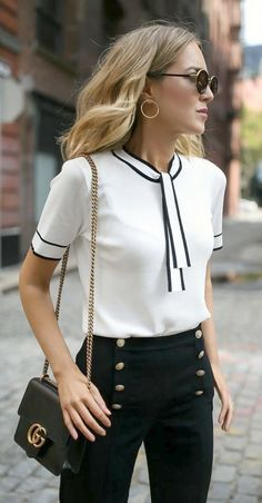 Sailor Vibes // White tie neck knit top with black piping, navy sailor inspired . Sailor Vibes // White tie neck knit top with black piping, navy sailor inspired button front pants, black ankle strap block heel sandals + classic lea. Business Outfit Frau, Looks Street Style, Work Fashion, Trendy Fashion, Trendy Style, Style Fashion, Classy Style, Nyc Fashion, Fashion Spring