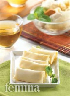 Femina.co.id: PANCAKE DURIAN #resep Indonesian Desserts, Asian Desserts, Indonesian Food, Sweet Desserts, Delicious Desserts, Indonesian Recipes, Pancakes, Crepes And Waffles, Snack Recipes