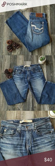 🌿Big Star- 34S🌿 Big Star Voyager Straight, relaxed, size 34S. Barely worn, excellent condition and smoke free home!!! Big Star Jeans Relaxed