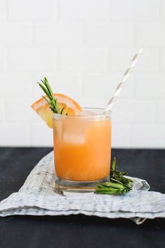 Gin & Grapefruit - Gin, Grapefruit Juice, Grapefruit Wedges, Rosemary Sprigs