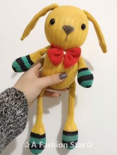 Hello everyone! Today we collected 6 DIY Doll Ideas for you, For girls, they will always have a rag doll to accompany them - DIY crafts Sock Crafts, Easy Diy Crafts, Creative Crafts, Fun Crafts, Crafts For Kids, Arts And Crafts, Diy Art Projects, Sewing Projects For Beginners, Sock Toys