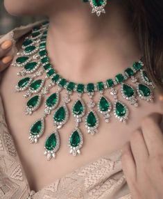 Emerald Jewelry, Gems Jewelry, Bridal Jewelry, Diamond Jewelry, Fine Jewelry, Women Jewelry, Jewellery, Diamond Necklaces, Beautiful Engagement Rings