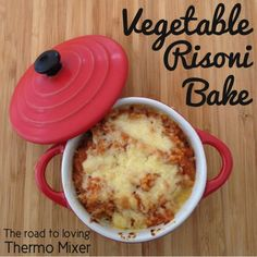 This Vegetable Risoni Bake is something that is so quick and easy to whip and provided you have a packet of risoni the rest of the ingredients ar risonirecipes Risoni Recipes, Great Vegetarian Meals, Baby Food Recipes, Cooking Recipes, Bellini Recipe, Veggie Casserole, Orzo, Lunches And Dinners, Thermomix