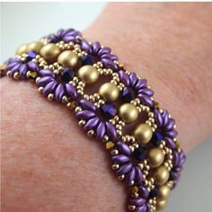 superduo bracelets | Another variation of Deb Roberti's Farfalle pattern