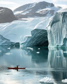Tap image for travel information - Where's the coolest place you've been kayaking? Travel information below Greenland. Jun-Sep for summer. for more awesome photos! to book a tour. Tag & for a chance to be featured! Rafting, Lightroom, Ski Nautique, Greenland Travel, Sports Nautiques, Dame Nature, Beautiful Places To Travel, Wonderful Places, Travel Aesthetic