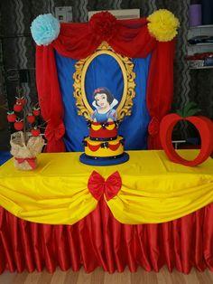 Super Baby Shower Girl Disney Snow White Ideas in 2020 Disney Princess Birthday Party, Birthday Party Snacks, Princess Theme Party, Baby Girl Birthday, Birthday Party Decorations, Princess Crafts, Snow White Cake, Snow White Birthday, Girl Shower