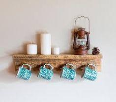 Resultado de imagem para prateleiras de madeira rustica para cozinha