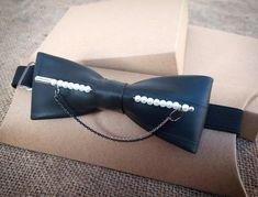 Bagged Trucks, Best Bow, Gold Spray, Bow Tie Wedding, Tie Bow, Diy Home Crafts, Fashion Styles, Small Businesses, Wonderland