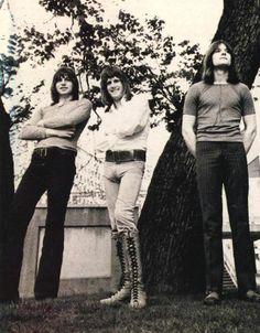 ELP Music Like, Kinds Of Music, Music Stuff, New Artists, Music Artists, Psychedelic Bands, Emerson Lake & Palmer, Greg Lake, Music Studio Room