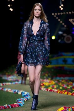 A look from the Tommy Hilfiger Spring 2015 RTW collection.