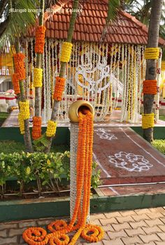 A great read on even more regarding Marriage Decoration Ideas, Diy Abschnitt, Desi Wedding Decor, Indian Wedding Theme, Wedding Hall Decorations, Diy Wedding Reception, Marriage Decoration, Wedding Entrance, Wedding Mandap, Backdrop Decorations, Flower Decorations