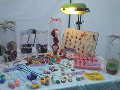 Una parte del mercatino di Natale Anvia'  Collane, bracciali, orecchini, portachiavi, dolcetti in feltro, pasta fimo, anelli wire in filo di alluminio e perle, decorazioni per la casa..chiedete e vi sara' dato! Seguiteci.. :)