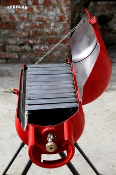 Paradox: Outdoor Bbq From An Old Gas Cylinder Garden Ideas Recycling Metal The paradox we created using a gas cylinder to build a cool coal barbecue. Metal Projects, Welding Projects, Gas Bottle Bbq, Diy Wood Stove, Barrel Bbq, Outdoor Grill, Brick Bbq, Diy Grill, Gas Bbq