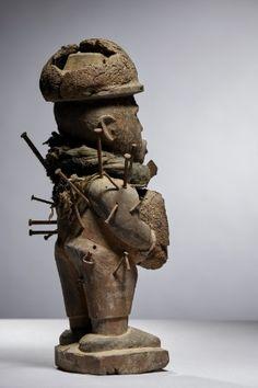 Lot n°114  Kongo Nkisi Figure Lion Sculpture, Auction, Statue, Congo, Belgium, Collection, Art, Art Background, Kunst