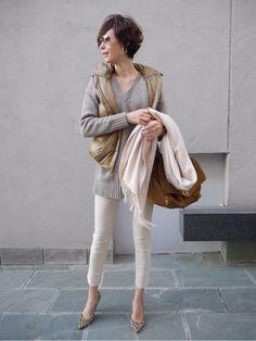 田丸麻紀『Maki's wardrobe』 in 2020 White Fashion, Look Fashion, Daily Fashion, Everyday Fashion, Autumn Fashion, Fashion Week Paris, Japan Fashion, Casual Chic, Casual Street Style