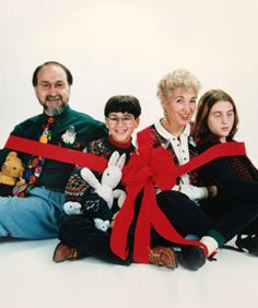 Awkward Family Holiday Pictures From Our Staff Awkward Family Photos Christmas, Awkward Family Pictures, Weird Family Photos, Strange Family, Awkward Photos, Funny Photos, Family Pics, Family Holiday, Christmas Photos