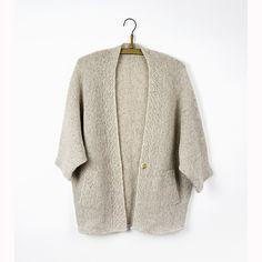 Kimono-jacket with pockets and edges in herringbonesticth.