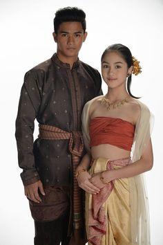 Thai Art, Oriental Fashion, Hinduism, Chinese, Sari, India, Clothes, Beauty, Beautiful