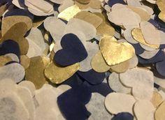 Confettis de mariage coeur bleu marine or et Ivoire