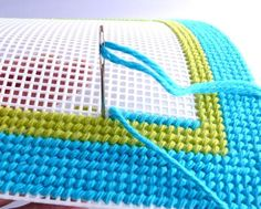 "How to Make a Modern Wall Hanging with Plastic Canvas [ ""Give any room a crafty, stylish makeover with this fun modern plastic canvas wall art tutorial from Diane at CraftyPod! Plastic Canvas Stitches, Plastic Canvas Crafts, Plastic Canvas Patterns, Embroidery Stitches, Embroidery Patterns, Needlepoint Patterns, Tapetes Diy, Bargello, Canvas Wall Art"