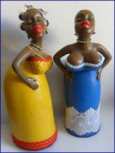 As bonecas Barraqueiras, peça em gesso pintada a mão,  estão prontas para alegrar sua casa. Muito charmosas, as peças são finalizadas na parte de baixo com feltro. Se quiser outra cor é só encomendar. Aceitamos encomendas! R$ 68,00